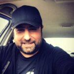 دانلود آهنگ میشه نگام کنی راحت شه زندگیم محمد علیزاده